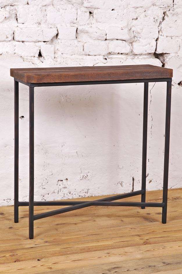 meble-industrialne-konsola-ze-starego-drewna-i-metalu-z-odzysku